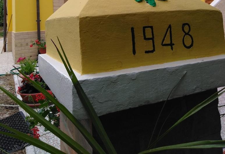 Edera, Porto Sant'Elpidio