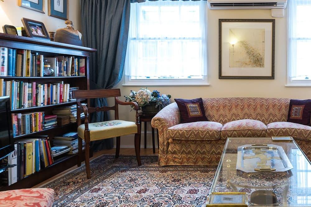 Dzīvokļnumurs, divas guļamistabas, divas vannasistabas - Dzīvojamā istaba