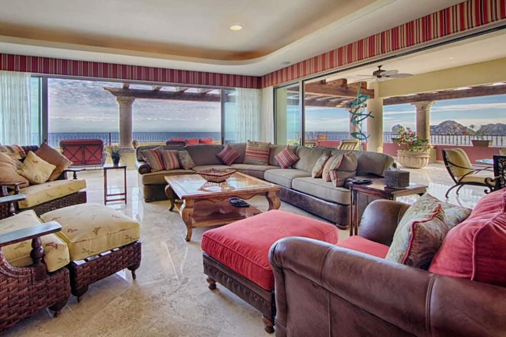 Familie penthouse, 3 slaapkamers, uitzicht op zee - Woonkamer