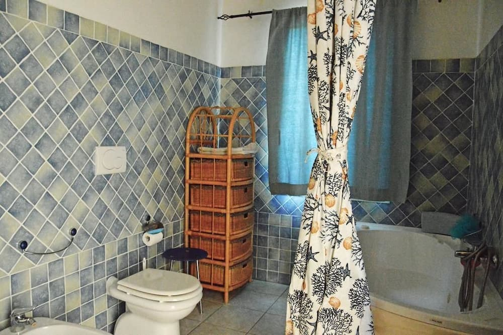 جناح - غرفة نوم واحدة - بشرفة - حمّام