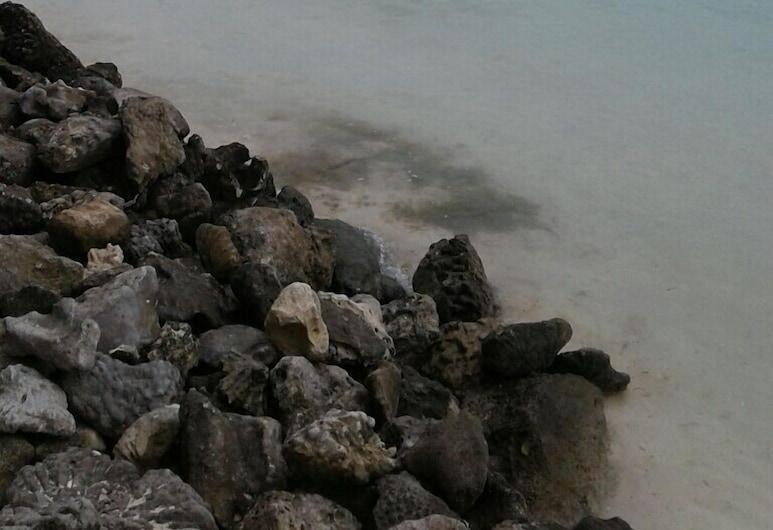 Patia Holiday Home, Aitutaki, Strand