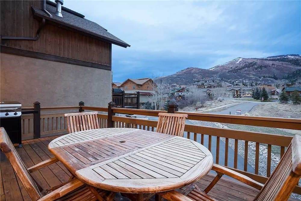 House, Multiple Beds (Snowflake Meadows (Home)) - Balcony