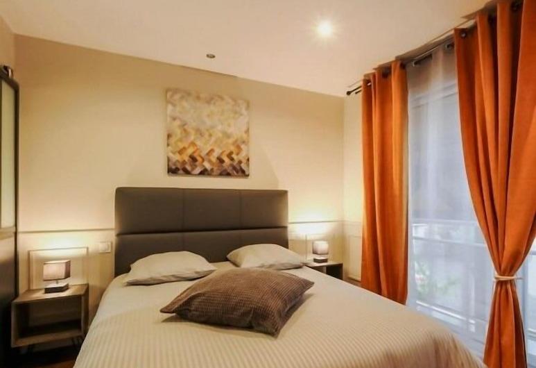 Les Prémontrés, Falaise, Deluxe Double Room, Private Bathroom, Guest Room