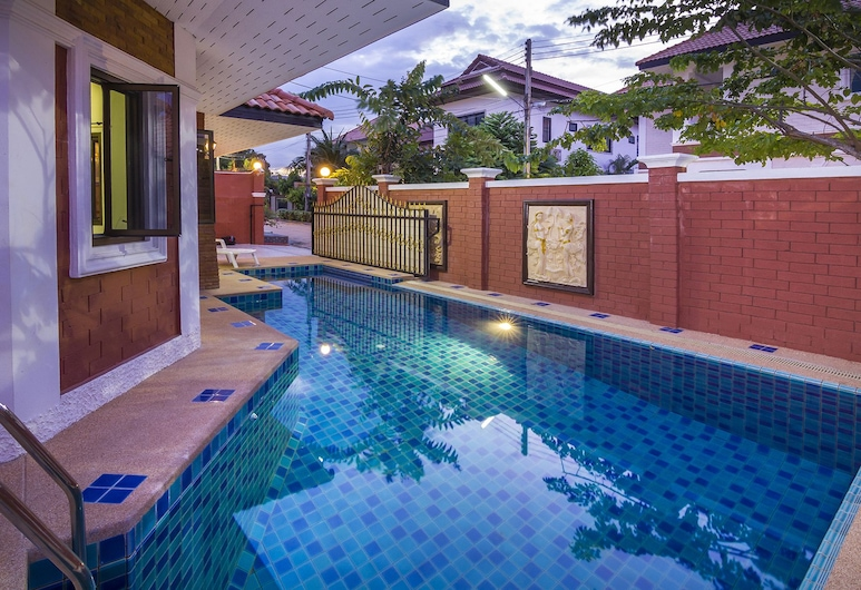 Villa Valery Close to the Beach, Pattaya, 3-Bedroom Villa with Private Pool, Terraza o patio