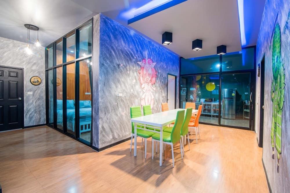 Five Bedrooms - Private Pool Villa - Restauration dans la chambre