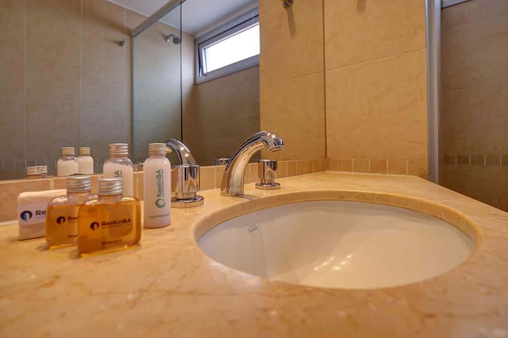 Classic Apartment (#CS75) - Bathroom