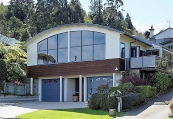 Picture of B & B with Stunning Views in Taupo