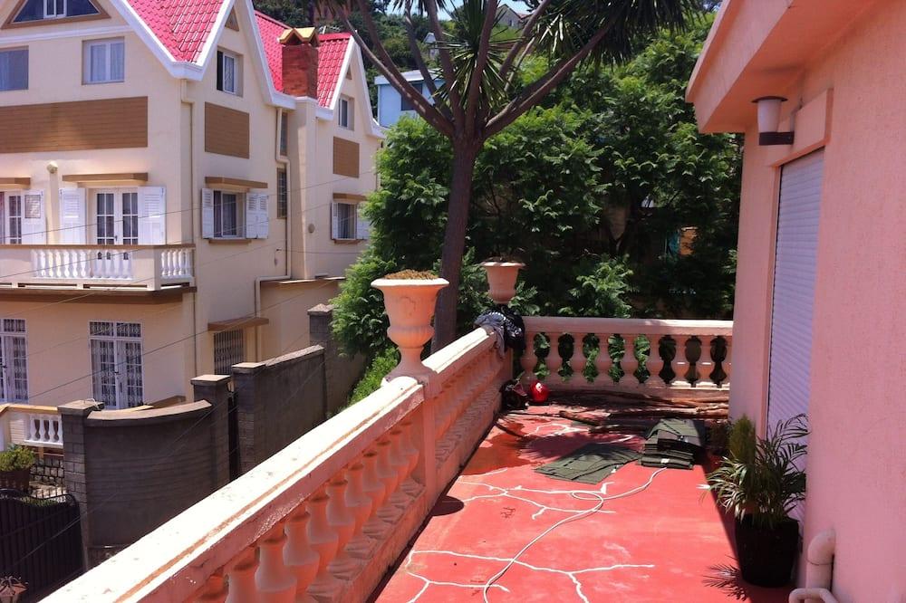 Departamento superior, 1 habitación (Ambondrona) - Balcón