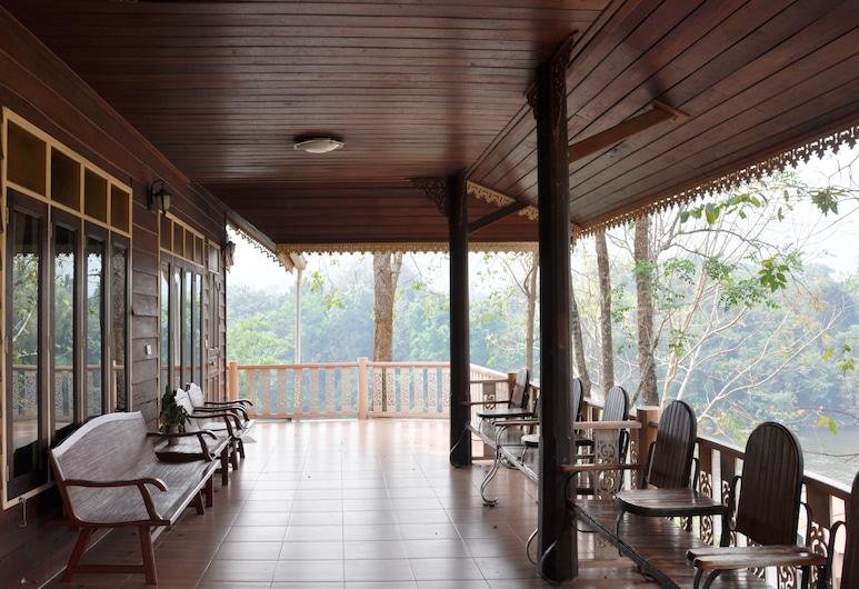 Baanpufa Resort, Sai Yok, Family Room with Shared Porch, River View, Balkoni