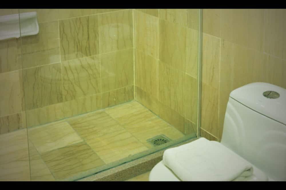 ห้องเอ็กเซกคิวทีฟสวีท - ห้องน้ำ