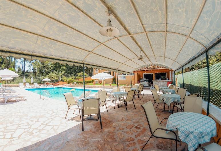 Solea Apartments, Κέρκυρα, Μπαρ δίπλα στην πισίνα