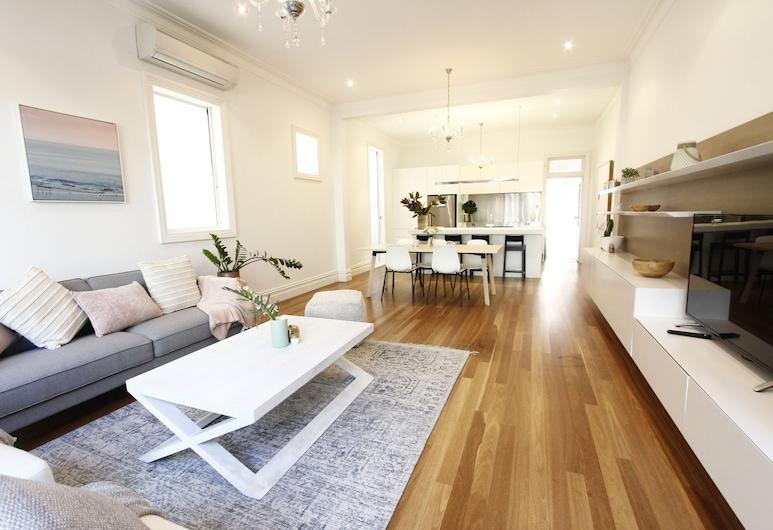 Beautiful Manly Beach House, Manly, Familie huis, 4 slaapkamers, 2 badkamers, Woonruimte