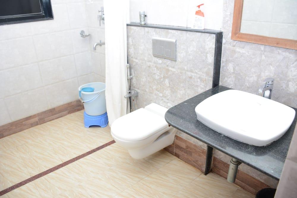 Phòng đôi Executive, 1 giường đôi - Phòng tắm