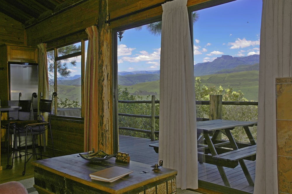 Classic Tree House, 2 Bedrooms, Mountain View, Mountainside - Living Area