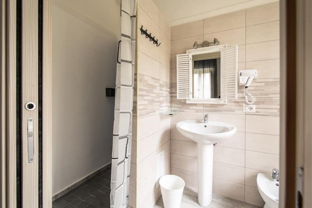 Двухместный номер «Комфорт» с 1 или 2 кроватями, вид на сад (Ischia) - Ванная комната