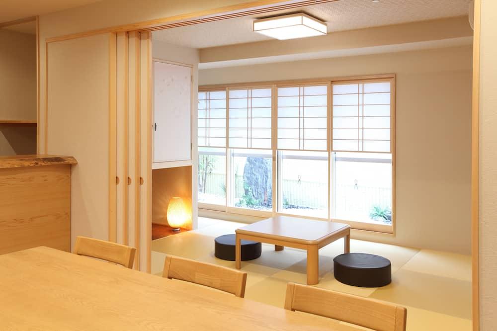 Comfort appartement, 3 slaapkamers, keuken, uitzicht op tuin - Woonruimte