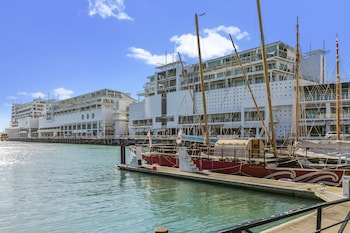 Gambar Two Bedroom Waterfront & City Apartment di Auckland