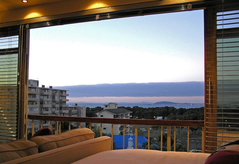 Room with a View, Cape Town, Studio, 1 Queen Bed, Living Area