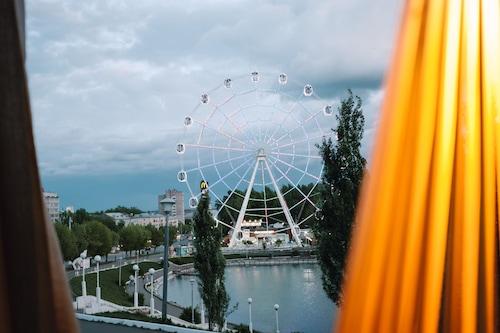 基洛夫四元素酒店/