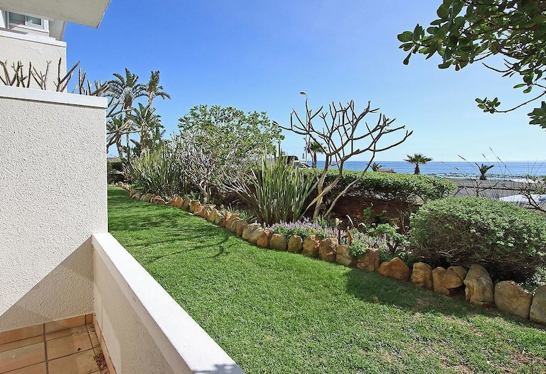 Edward Court 1 Bedroom Sea Facing, Cape Town, Property Grounds