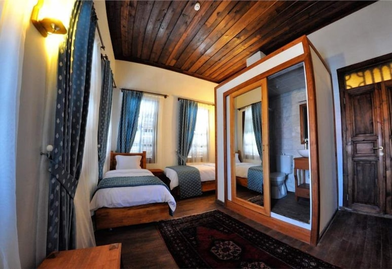 Burhanoglu Konagi Butik Otel, Tarsus, Standard Quadruple Room, Guest Room
