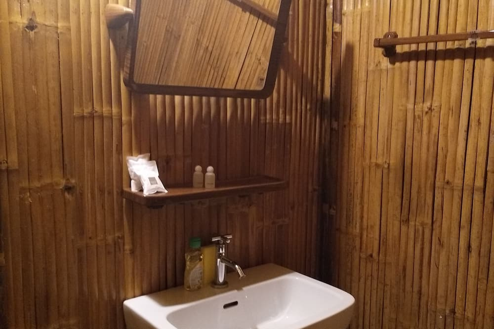 Bungalow with Free Motorcycle - Bathroom Sink