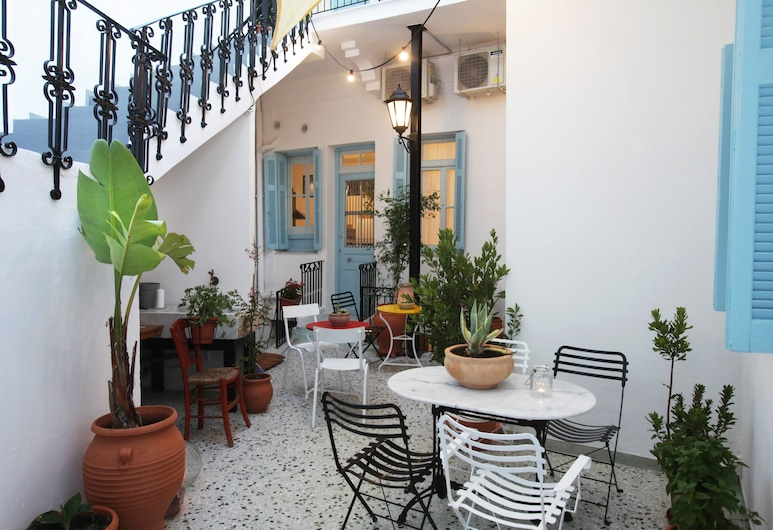 Live in Athens, Thiseio Historic House, Atenas, Pátio