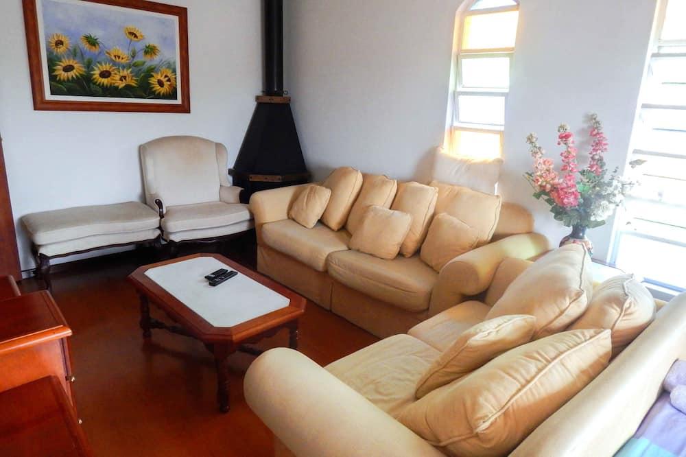 家庭單棟房屋, 3 間臥室 - 客廳