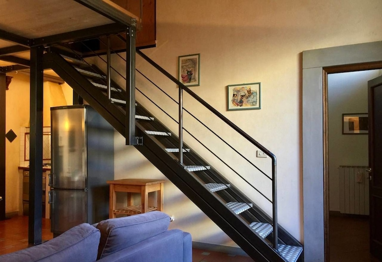 GINORI DOUBLE, Florence, Basic Apartment, 1 Bedroom, Living Area