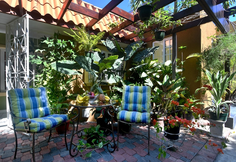 Centrally Located Guest Apartments II, Kingston, Terrace/Patio