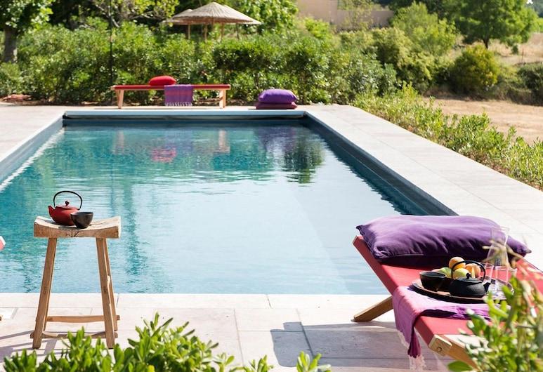 Village Castigno - Wine hotel & resort, Assignan, Kolam Renang Luar Ruangan