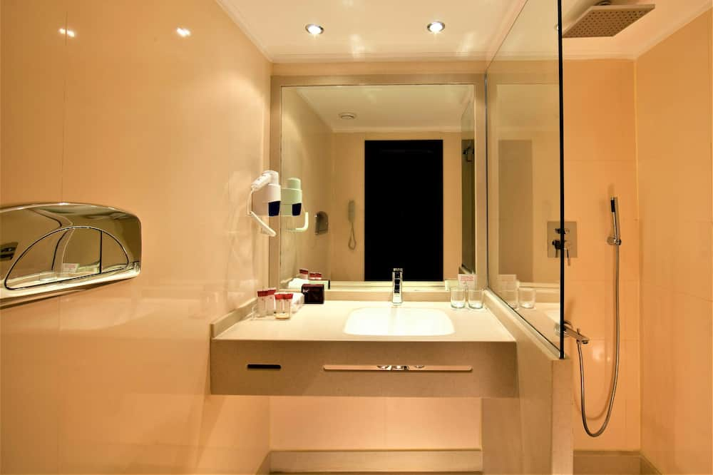 Classic Room, 4 Nights Cruise, on Monday from Luxor  - Bathroom