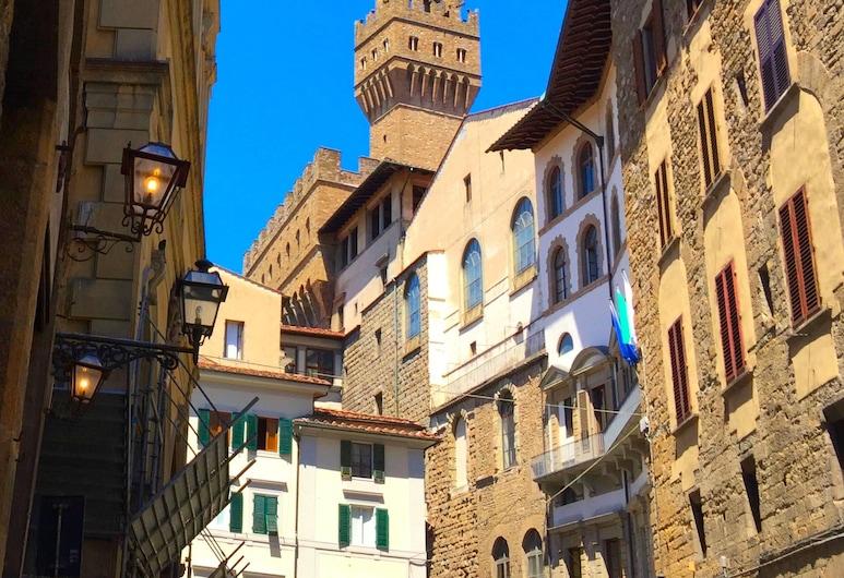 NERI, Florencija, Apgyvendinimo įstaigos fasadas