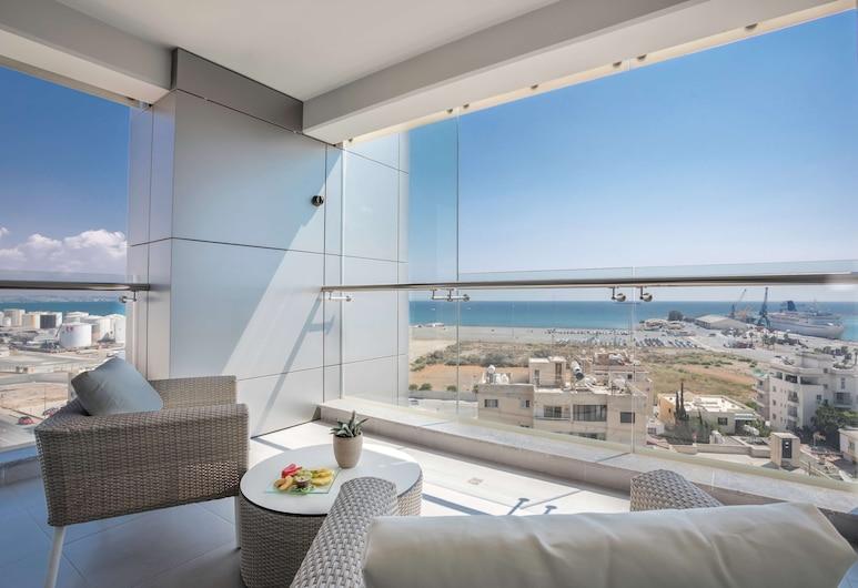 Radisson Blu Hotel, Larnaca, Larnaka, Augstākās klases numurs, skats uz jūru, Viesu numurs
