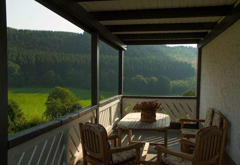 Ferienwohnungen in der Schlade, Schmallenberg, Varanda