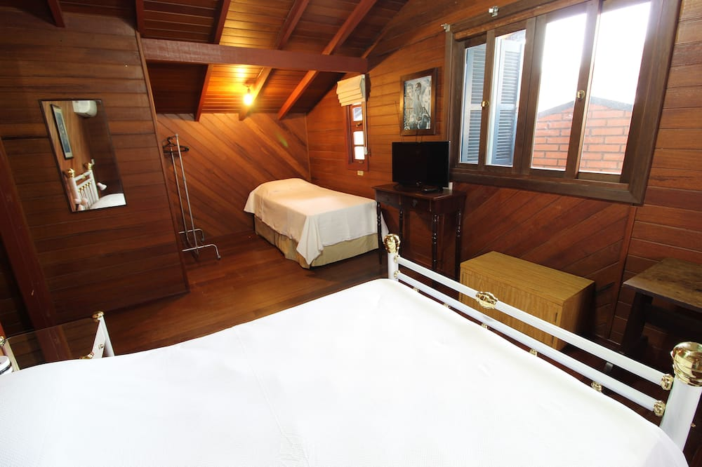 House, 5 Bedrooms - Room