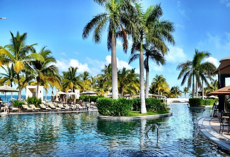 Studio SuiteS at VdP~OR~GB Ocean Front ResortS ON Playa Mujeres-SEE~GarzaB~PROMO, Punta Sam, Bazén