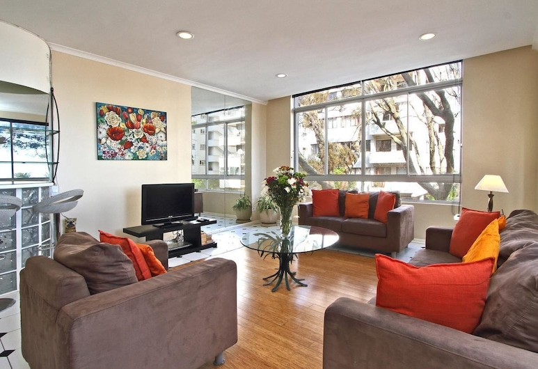 Berkeley Square, Cape Town, Apartment, 2 Bedrooms, Living Room