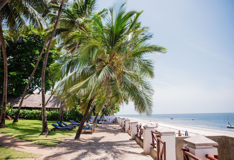 Plaza Beach Hotel, Mombasa, Beach