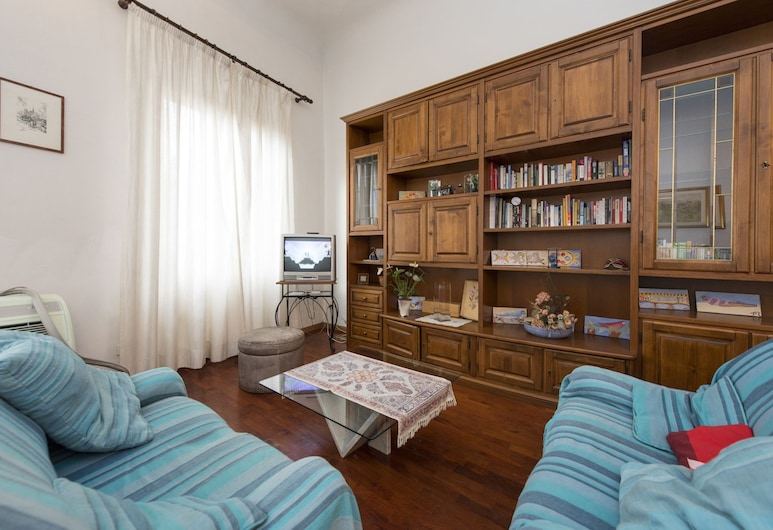 PROCONSOLO, Florence, Basic Apartment, 2 Bedrooms, Living Area