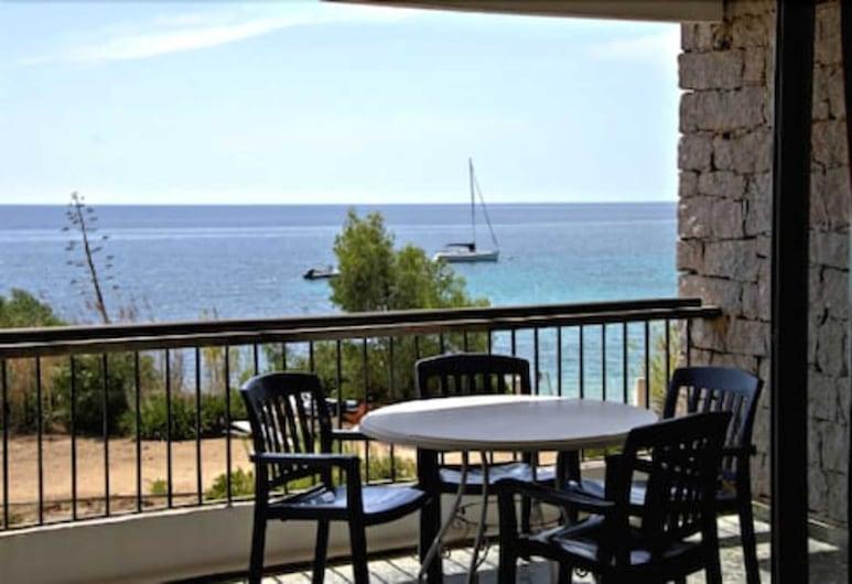 Hotel la Parata, Ajaccio, Szoba kétszemélyes ággyal, 1 king (extra méretű) franciaágy, kilátással a tengerre, Terasz/udvar