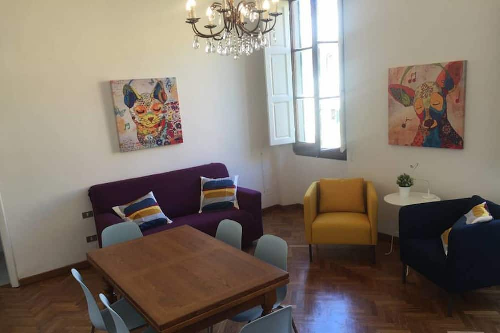 Basic Apartment, 4 Bedrooms - Living Area