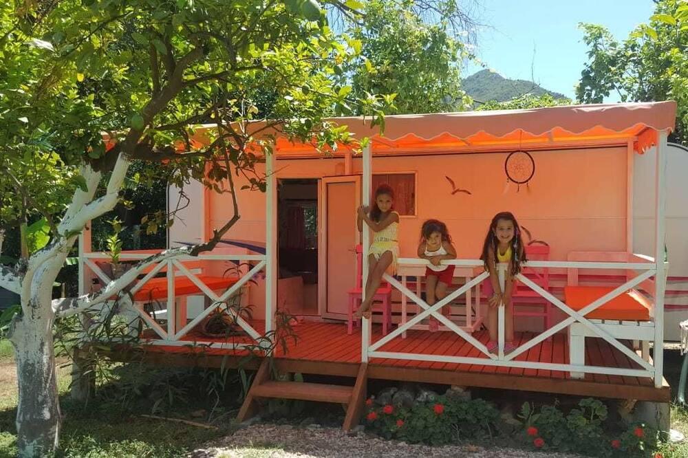 Mobile Home - Room