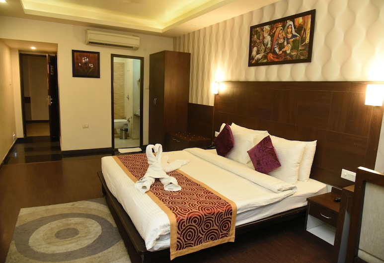 Park View Clarks Inn Ara, Arrah, Deluxe Room, 1 King Bed, Guest Room