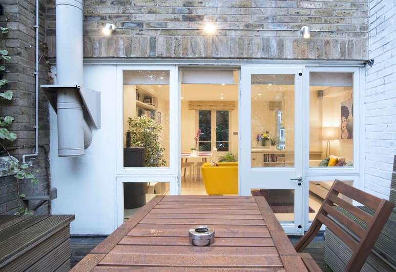 2 Bed Terrace Apartment in Notting Hill, London