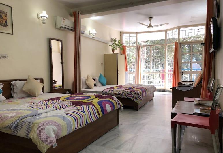 Sailors Home, New Delhi, Chambre Quadruple Premium, fumeurs, vue parc, Chambre