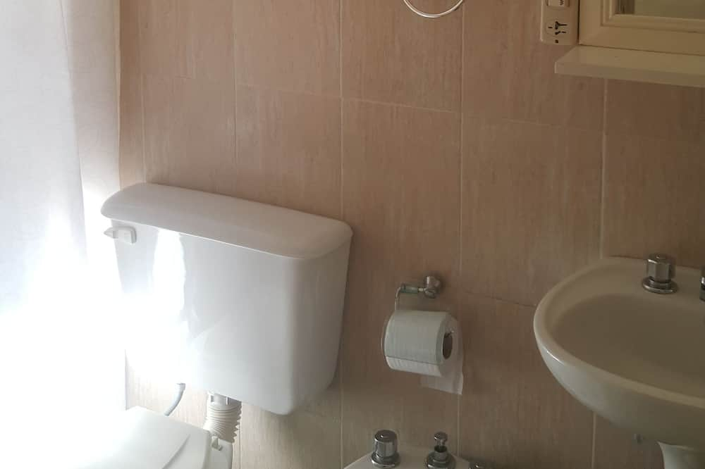 Economy Üç Kişilik Oda, Birden Çok Yatak, Özel Banyo - Banyo