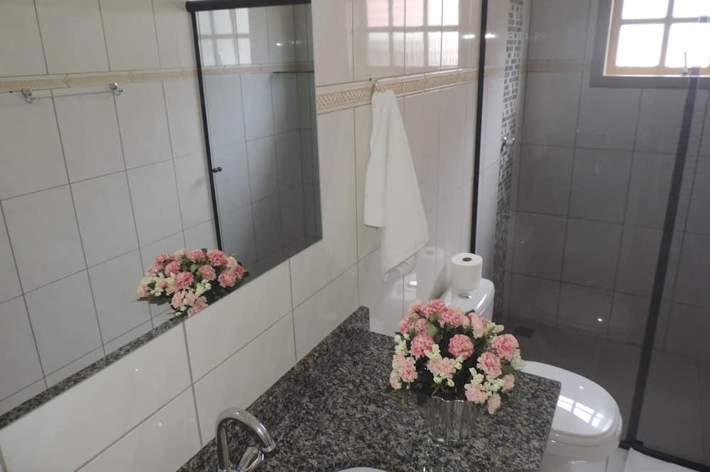 شقة عائلية - حمّام