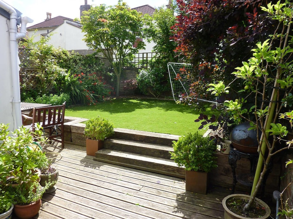 Relaxed Family Friendly House Garden In Bristol Terrace Patio