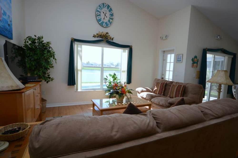 ヴィラ 3 ベッドルーム プライベートプール - リビング エリア